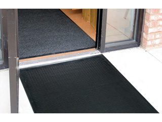 Merveilleux Frontline CleanStep All Rubber Industrial Entrance Mat Product Image 02